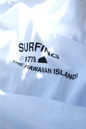 T-Shirt - Copyright Surfing - White
