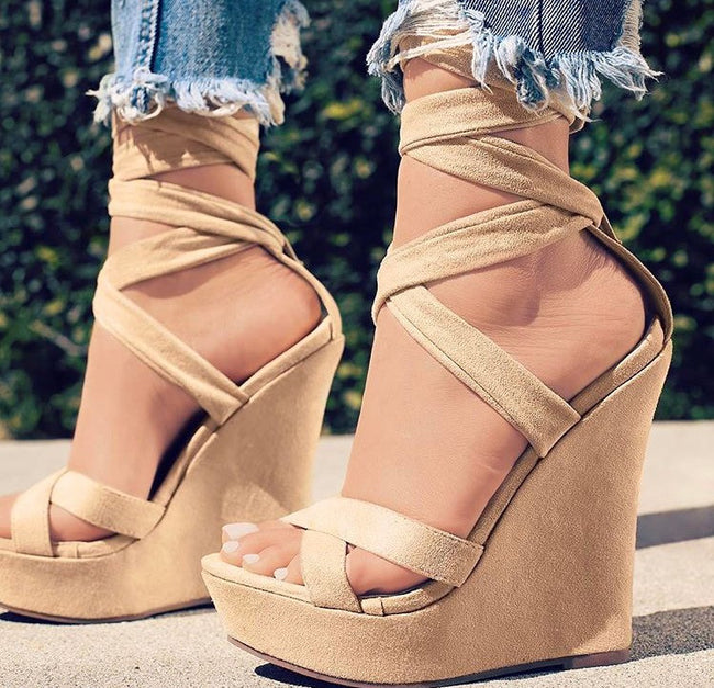 Nude wedge