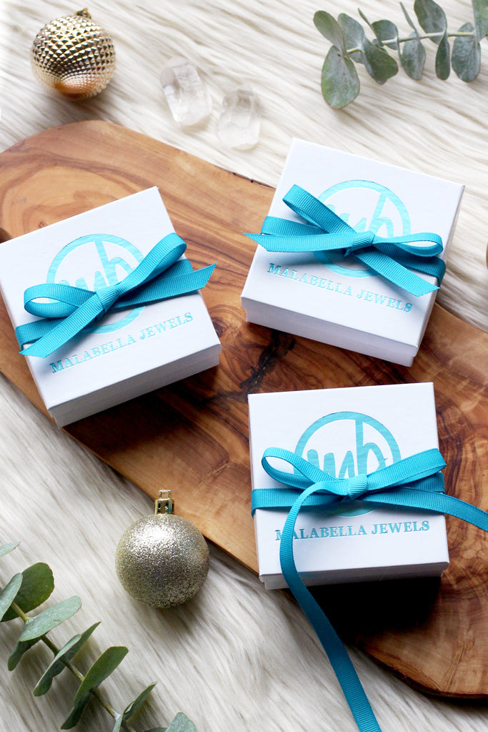 Gift Box + Ribbon Wrap