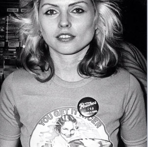 Debbie harry wearing Peaches Badge