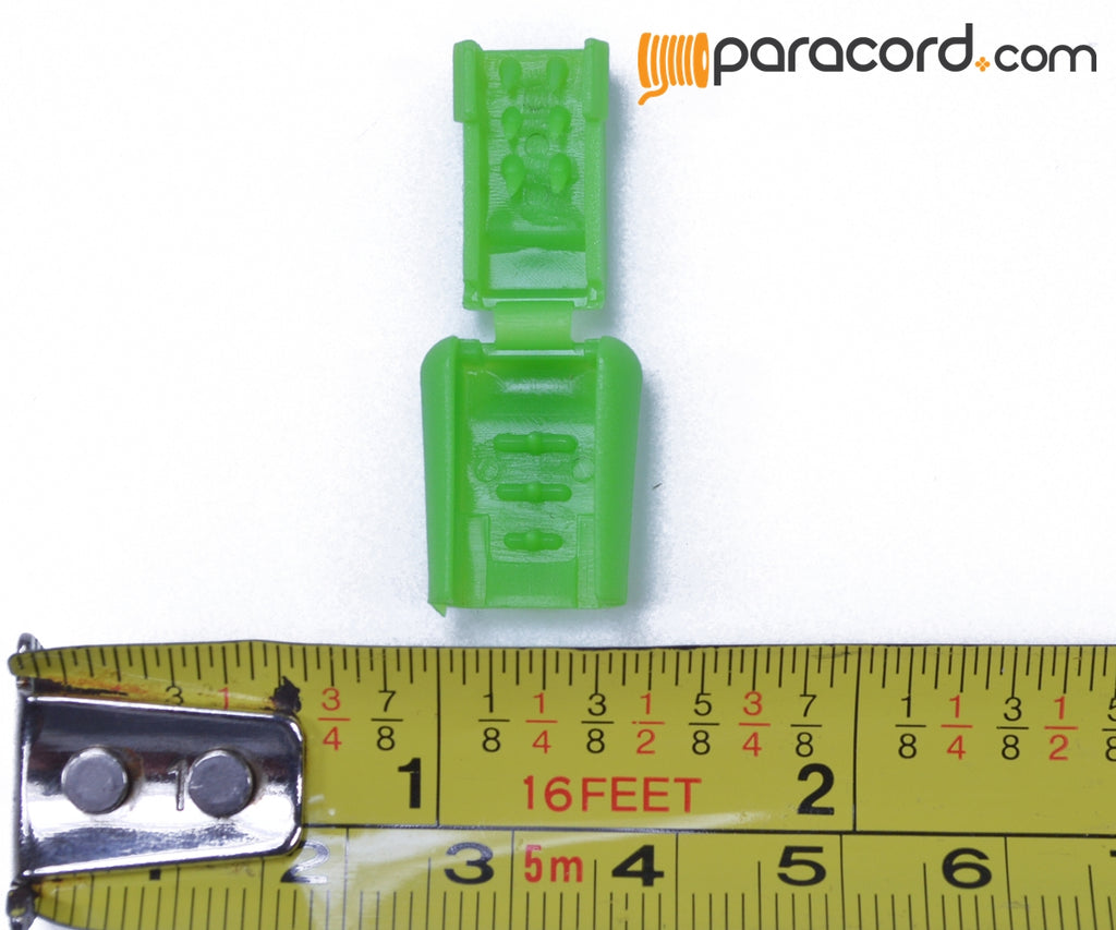 Green Zipper Pull