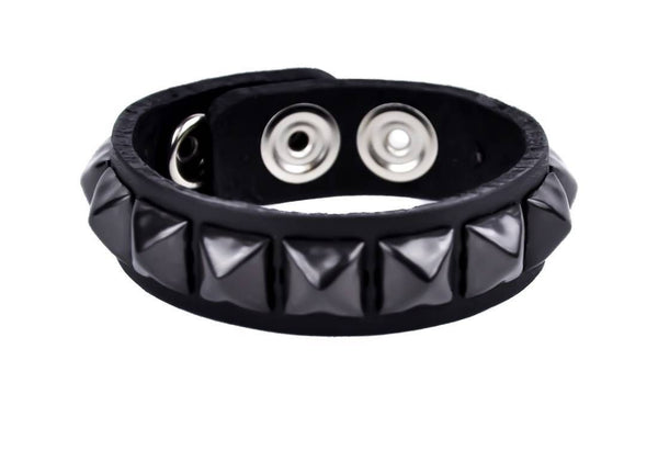1-Row Black Pyramid Stud Quality Leather Wristband Bracelet