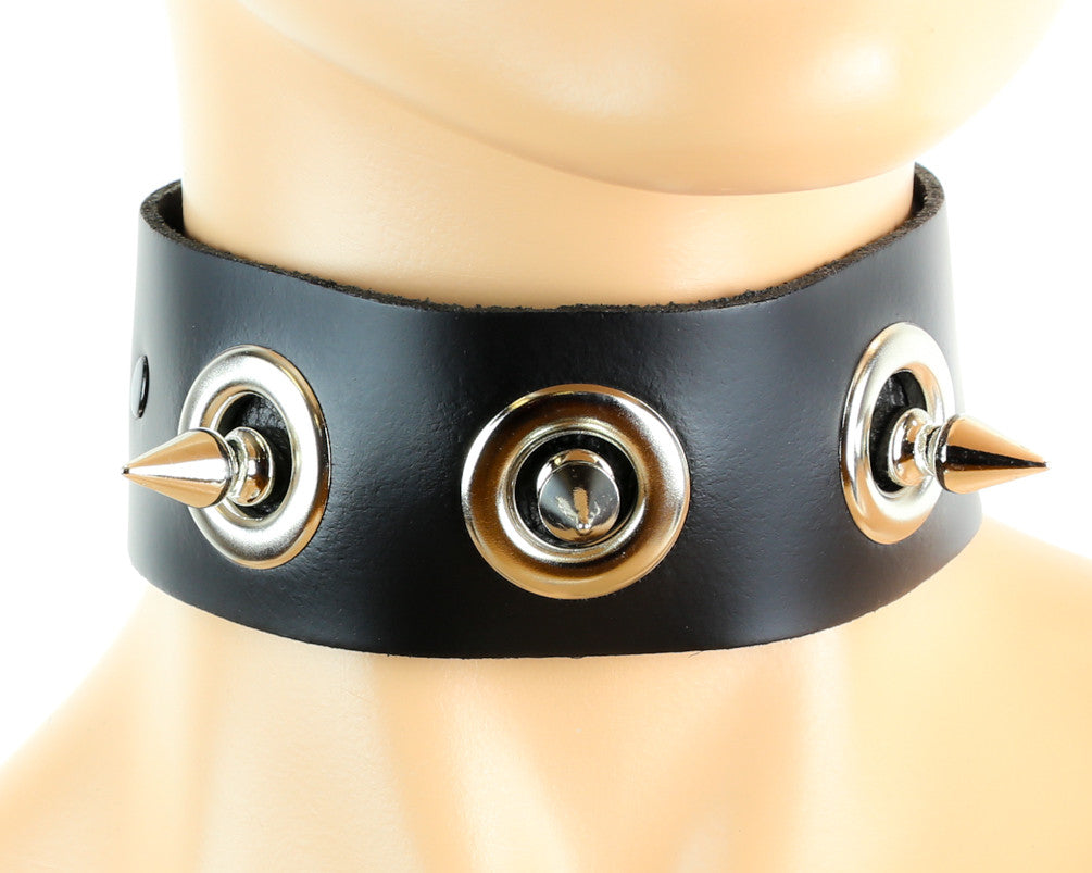 "1-1/2"" Wide Eyelet Fauceted Spike Choker Alternative Collar"