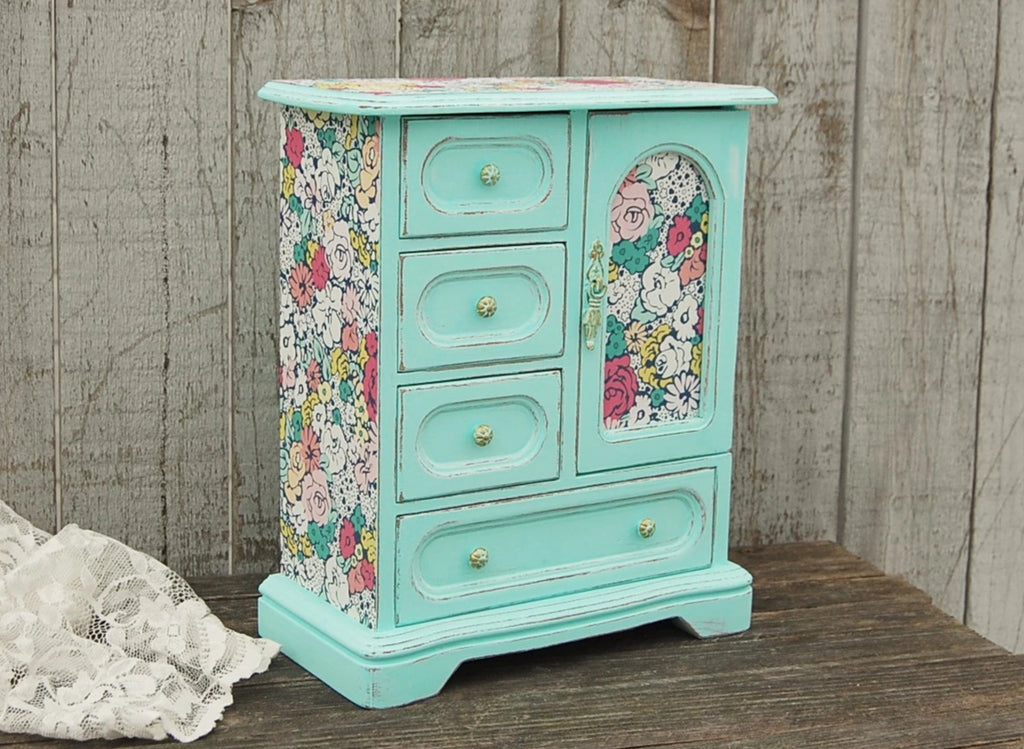 Mint flowered music box - The Vintage Artistry