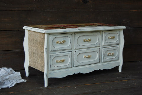 French farmhouse chest - The Vintage Artistry