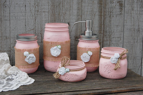 Pink & white bathroom set - The Vintage Artistry