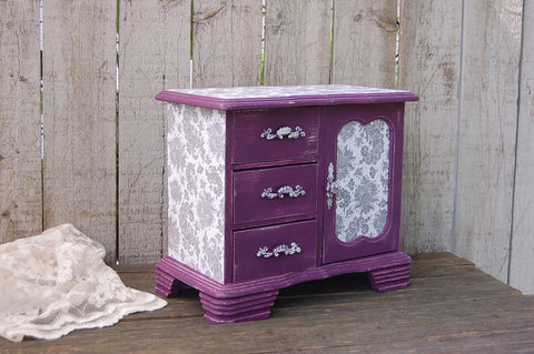 Plum & grey music box