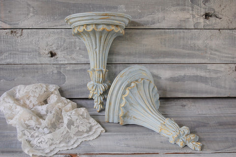 Grey & gold shelves - The Vintage Artistry