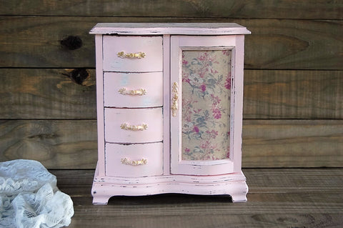 Pink toile jewelry box
