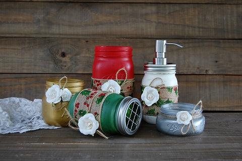 Christmas bath decor - The Vintage Artistry