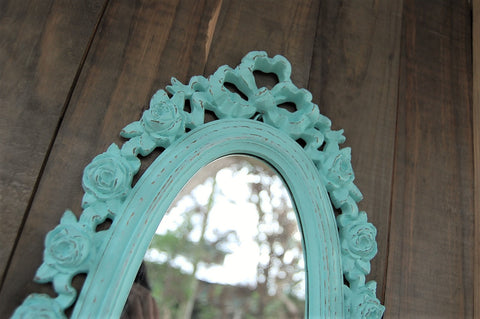Distressed mint mirror - The Vintage Artistry