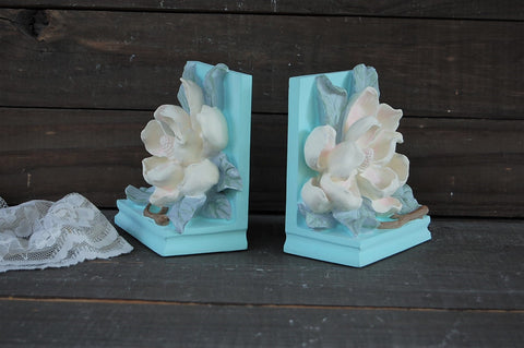 Shabby chic bookends