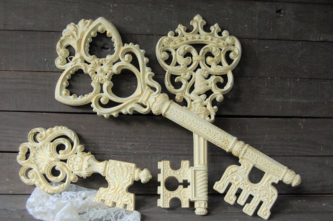 Skeleton key wall decor