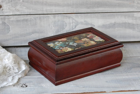 Tapestry jewelry box