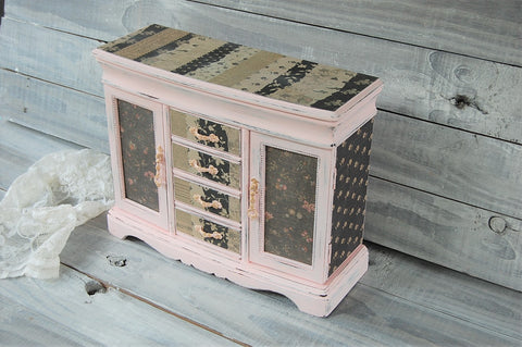 Pink & black jewelry box - The Vintage Artistry