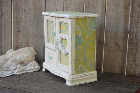 Girl's jewelry box - The Vintage Artistry