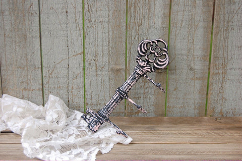 Pink & black cast iron key holder - The Vintage Artistry