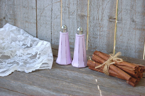 Lavender salt and pepper set