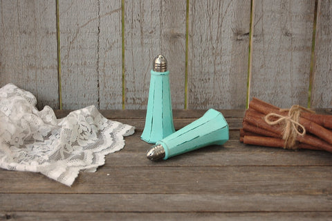 Mint green salt and pepper set