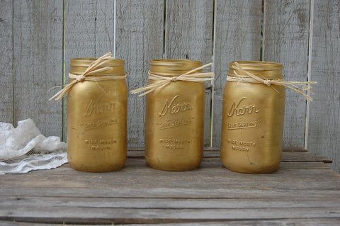 Gold shabby chic mason jars - The Vintage Artistry