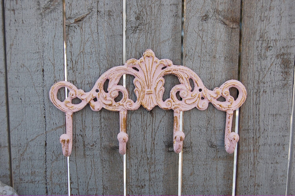 shabby chic wall hooks the vintage artistry. Black Bedroom Furniture Sets. Home Design Ideas