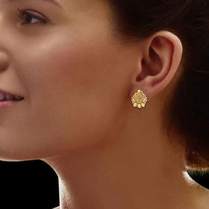 Trendy Mesh Earring In Yellow Gold.