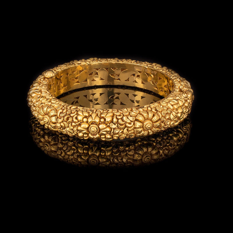 Temple inspired Bangle in Yellow Gold