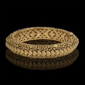 Classic Leafy Gold Bangle