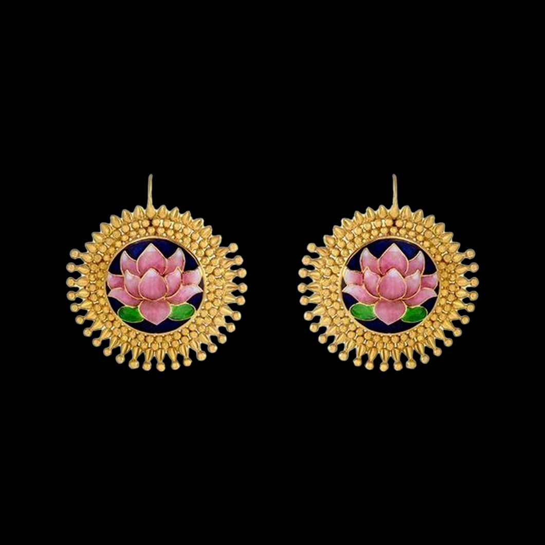 Dal Lake inspired Earrings in Yellow Gold.
