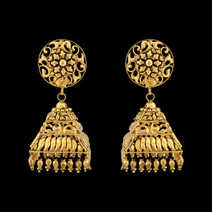 Traditional Filigree Jhumka In Yellow Gold