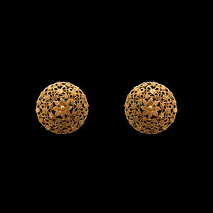 Classic Earring in Yellow gold.