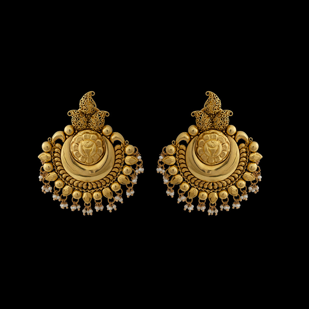 Traditional Gold Earring in Yellow Gold with pearls