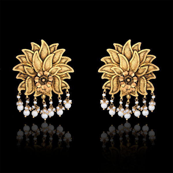 One Pair Gold Earring With Pearls Studded