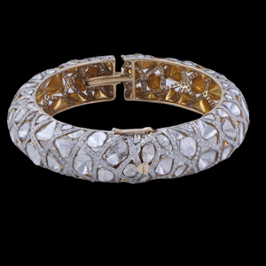 Nuvo Polki & Diamond Studded Bangle