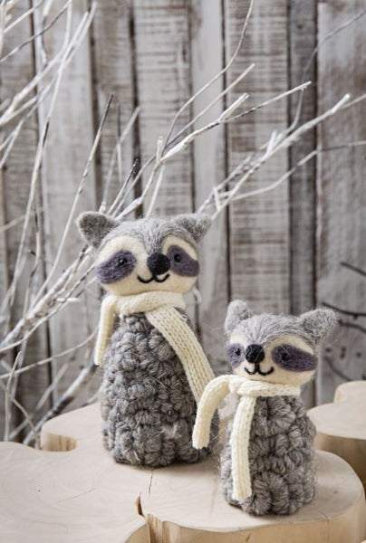 Furry Friends Stand Racoon 13cm