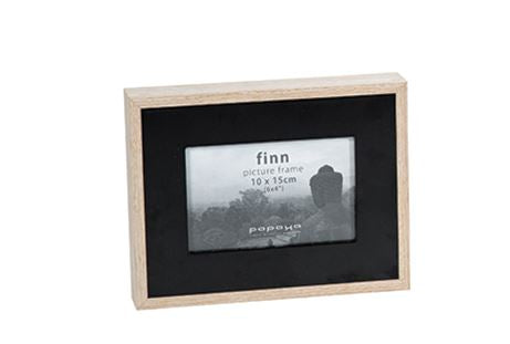 Finn Wide Small Black 25x18
