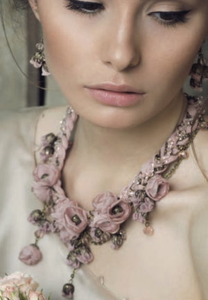 Anna Necklace Rose Flower