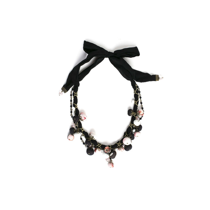 Gemma Necklace Black Rose