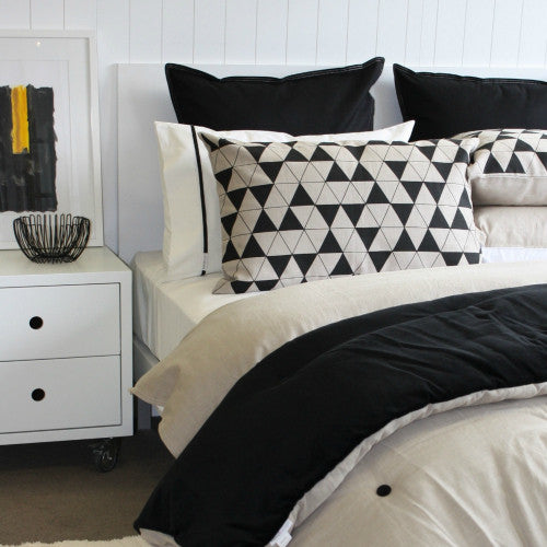 Duvet Black + Natural