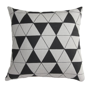 Cushion Natural/Black Triangle - Maissone