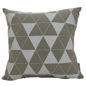 Cushion Natural/White Triangle Printed - Maissone