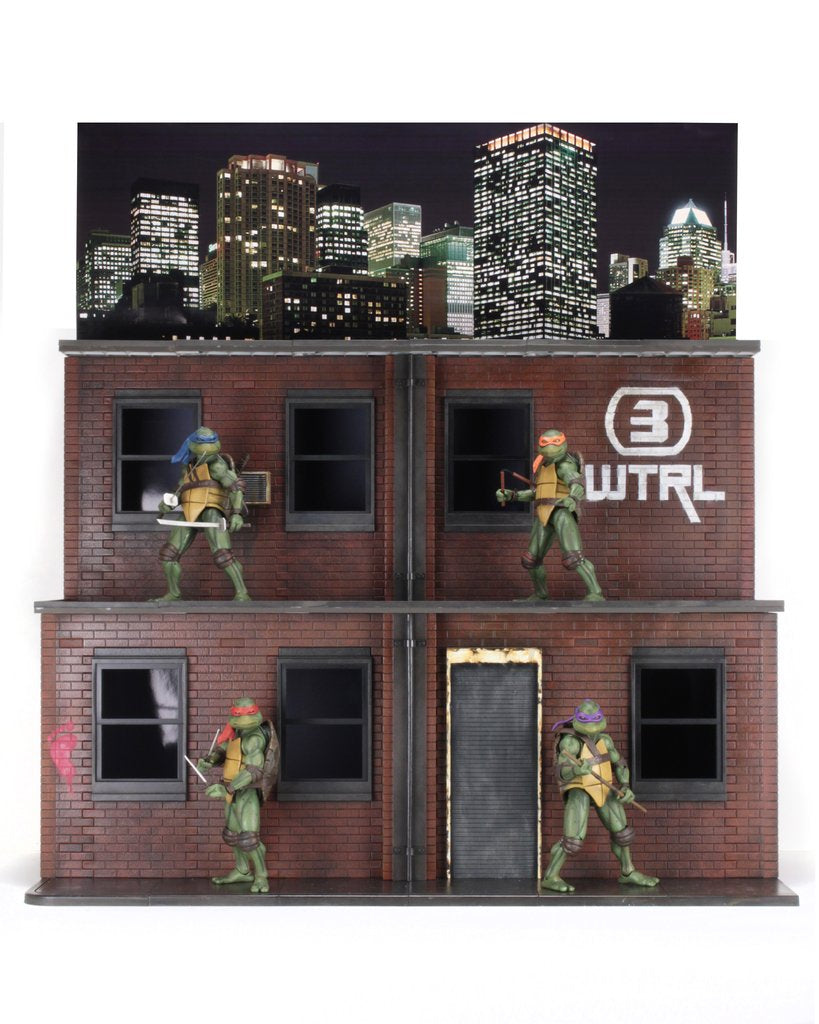 TEENAGE MUTANT NINJA TURTLES (1990 MOVIE) - STREET SCENE DIORAMA AND ACTION FIGURE SET (2018 CONVENTION EXCLUSIVE)