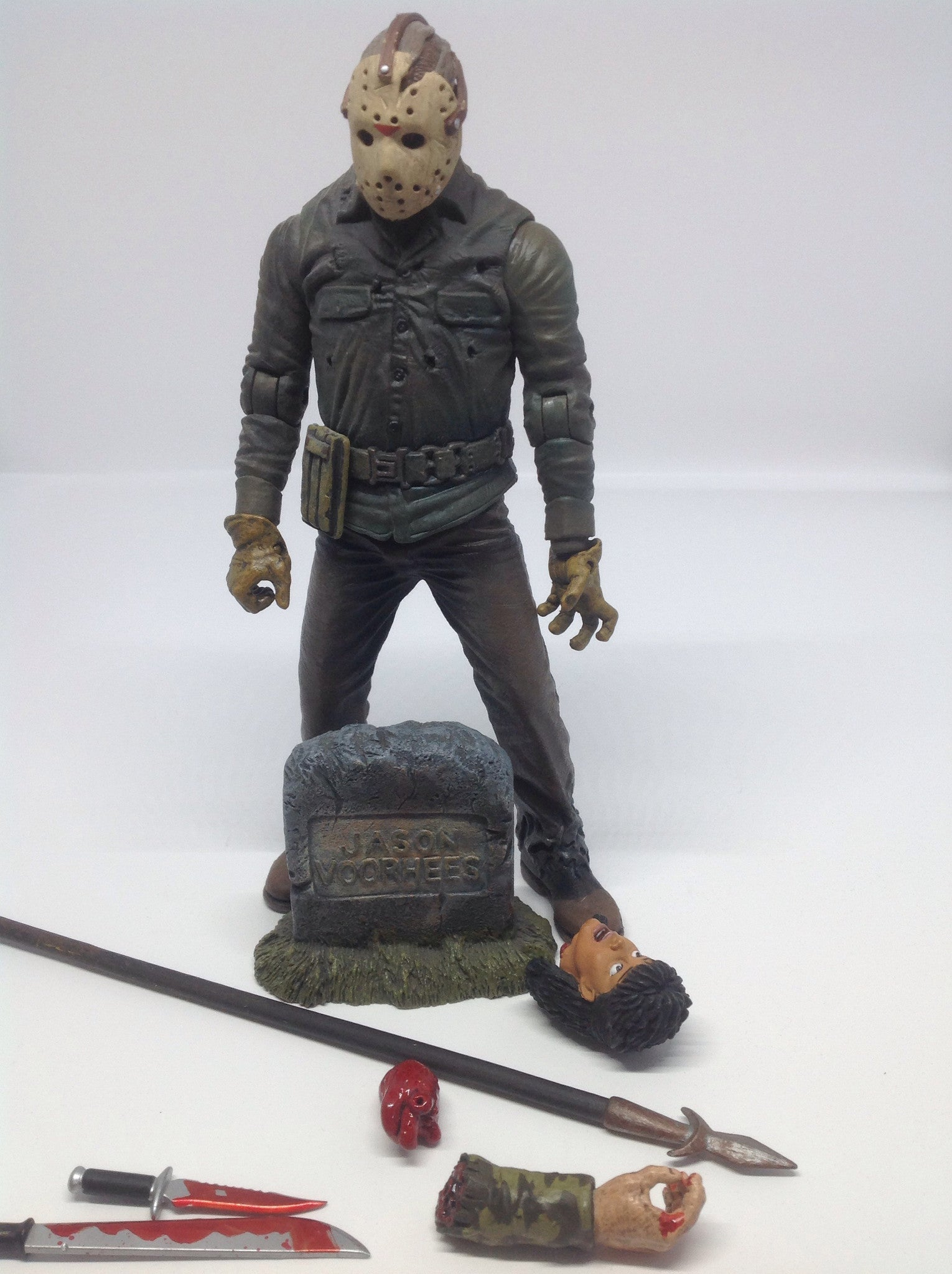 Mezco Cinema of Fear Series 2 Jason Lives: Jason Voorhees Loose