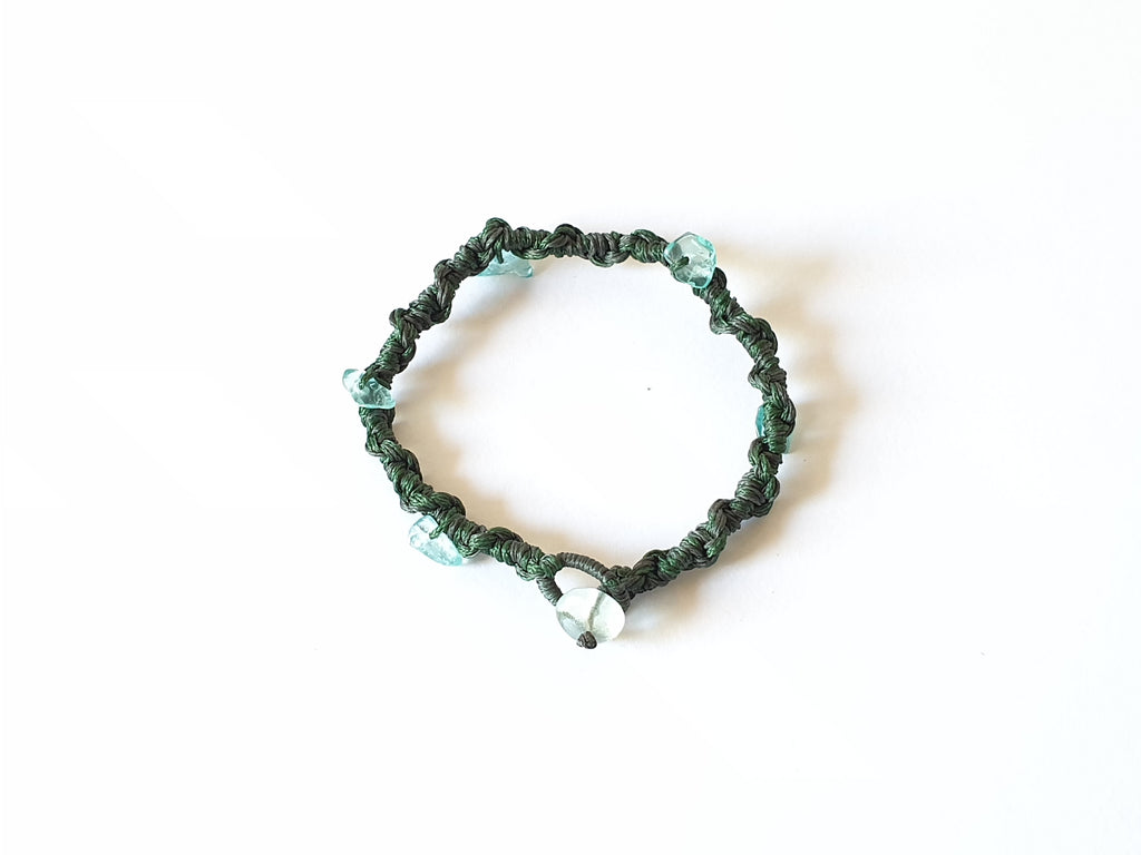 Rope bracelet with fluorite