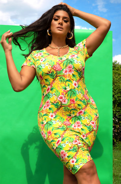 Yellow Neck Short Sleeve Mini Dress Plus Sizes