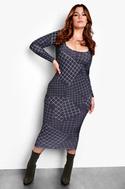 Black Plus Size Scoop Neck Long Sleeve Midi Dress