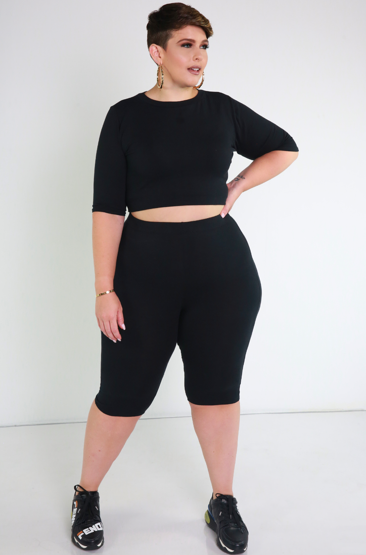 Black Essential Crew Neck Crop Top Plus Sizes