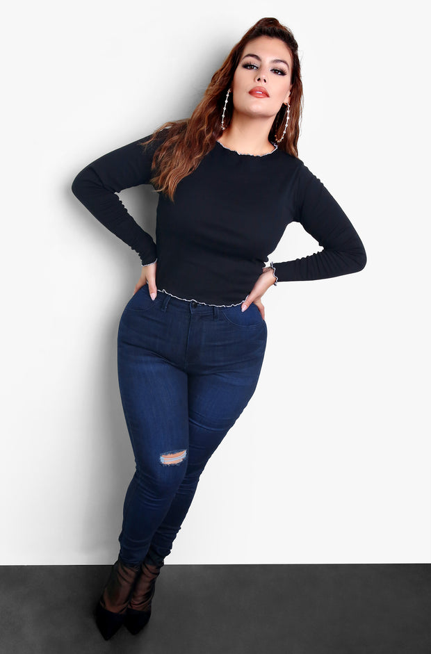 Black Plus Size Ruffled Crew Neck Long Sleeve Top
