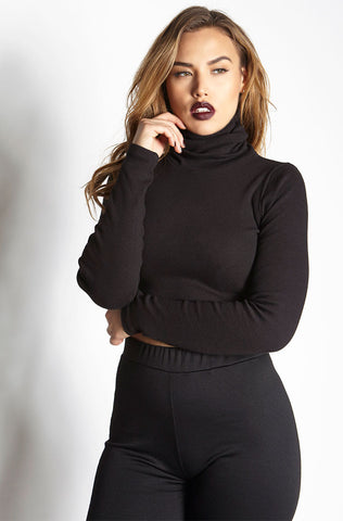 Rebdolls Essential Crew Neck Long Sleeve Crop Top