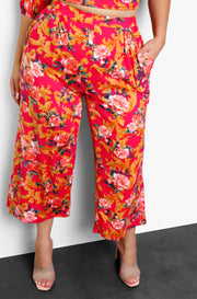 Fuchsia Pleated Cropped Wide Leg Pants w. Pockets Plus Sizes
